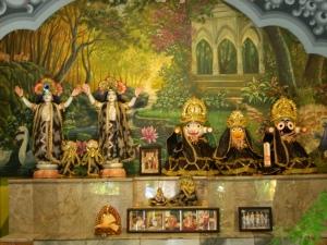 Altar Sri sri Gaurachandra Ashram Setelah Banjir